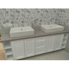 Мебель в ванную с тумбой с двумя раковинами